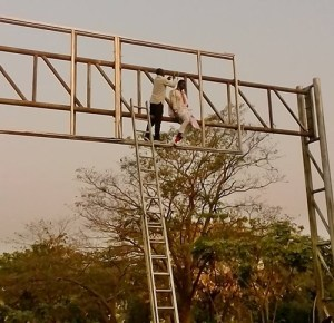 Man tries to commit suicide in Abuja, saved by residents (Photos)
