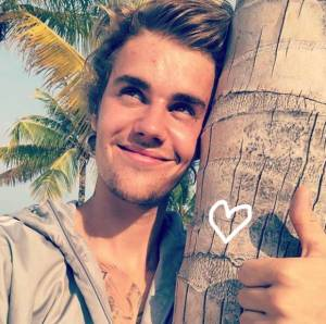 Smiling Justin Bieber Claims He Knows 'What Love Is' In Cryptic Post! (Photo)
