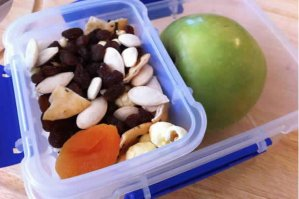 Mum finds deadly snake hiding in child's lunchbox