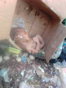 New Born Baby Found Dead After Being Dumped At A Waste Site In Owerri (Graphic Photos)