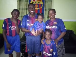 Man And His Family Celebrate Barcelona's Win Against Chelsea (Photos)