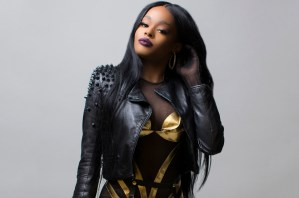 US Rapper, Azealia Banks Exposes Her Naked B00bs On Instagram (Photo & Video 18+)