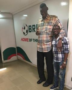 Comedian, Julius Agwu Spotted With The Tallest Man In Nigeria (Photo)