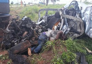 Driver Dies On The Spot After Fatal Accident In Delta State. (Graphic Photos)