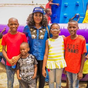 ", ""2face Kids Look Like They Are Suffering"" – Fan Comes For 2face, Effiezy - Top Nigerian News & Entertainment Website"