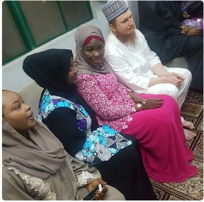 , American Man Marries An Hausa Lady He Has Neva Met In Real Life In Kano (Photos), Effiezy - Top Nigerian News & Entertainment Website