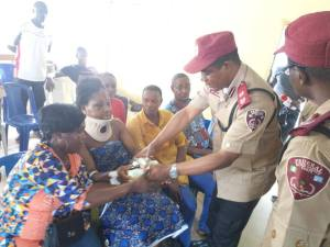 FRSC Officials Return N27M Recovered From Accident Site Where 8 Edo Indigenes Died (Photos)
