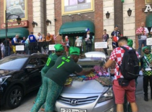 #WorldCup: Check Out Nigerians Selling Ankara At The World Cup In Russia