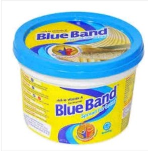 Nigerian Woman Cries Out After Buying Fake Blue Band (Video)