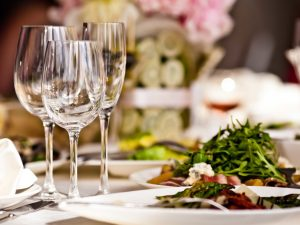 Dining Etiquettes, Dining Etiquettes to Know Before You Head to a Restaurant, Effiezy - Top Nigerian News & Entertainment Website