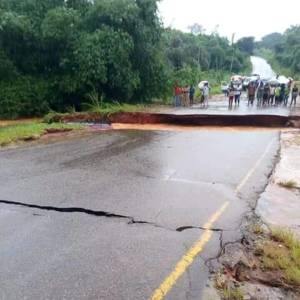 Road Cuts Into Two After Heavy Rainfall In Anambra (Photos)
