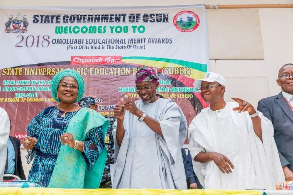 , Osun: Aregbesola Gives Car And Other Gifts To Teachers, Effiezy - Top Nigerian News & Entertainment Website