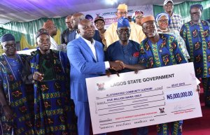 Ambode Gives Out N500Million To 275 Associations In Lagos (Photos)