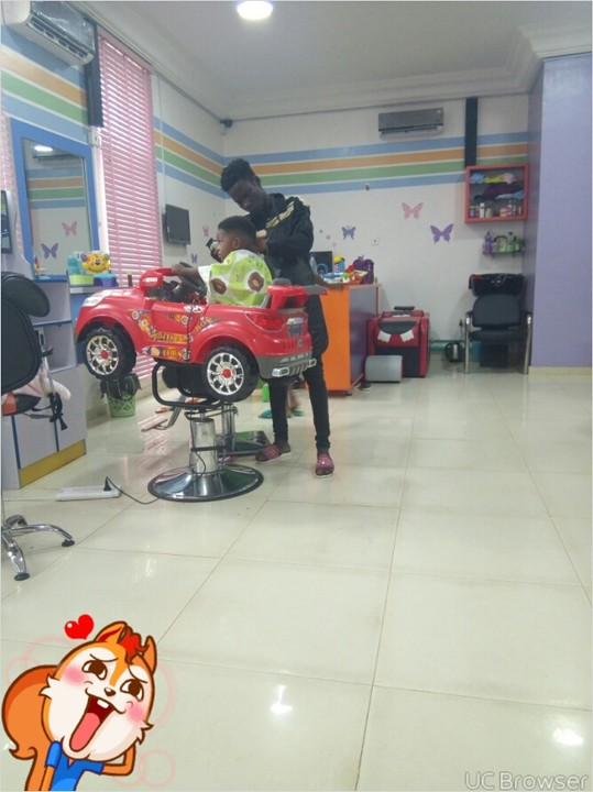 , See how this 3-year old cuts his hair without crying (Photos), Effiezy - Top Nigerian News & Entertainment Website