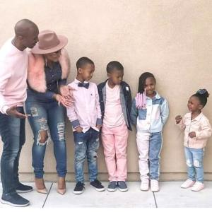 , ADORABLE!! Check Out This Family Of 6 Photoshoot, Effiezy - Top Nigerian News & Entertainment Website