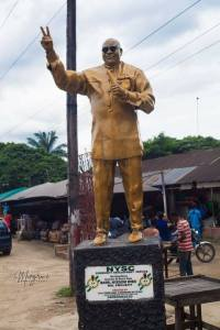 , NYSC Corper Erects Statue Of Governor Wike In Rivers (Photos), Effiezy - Top Nigerian News & Entertainment Website
