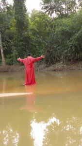 Prophet Olumba Olumba, Founder Of Brotherhood of the Cross and Star Cures His Follower's Diseases