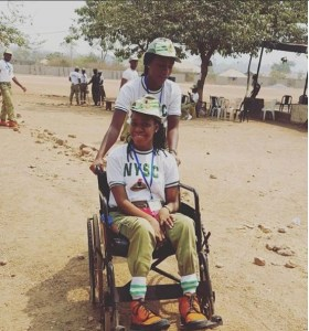 Youth Corper Helps A Physically Challenged Corper At Taraba NYSC Camp. (Photos)