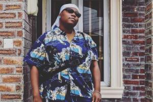 PHOTO: Singer, Teni shares photo of a weird 'father Christmas' she visited when she was just a kid