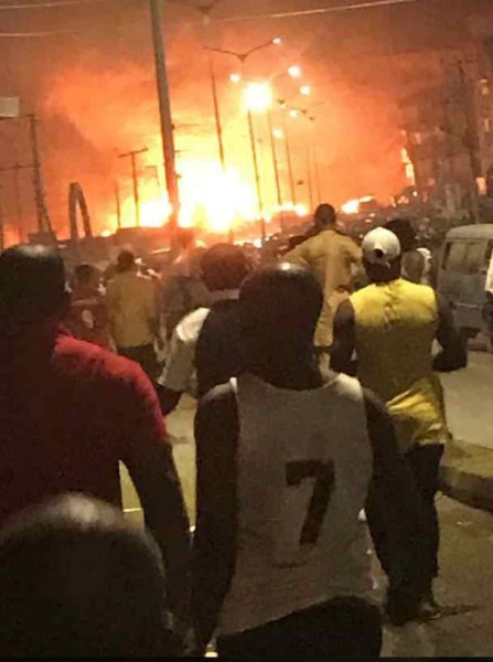, TRAGIC!! Over 8 Dead, Many Injured As A Tanker Explodes in Awka, Anambra (Photos & Video), Effiezy - Top Nigerian News & Entertainment Website