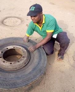 Check Out This Physically Challenged Vulcanizer In Kogi State (Photo)