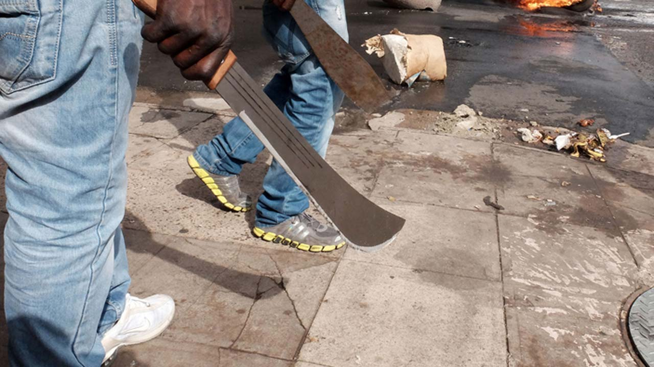 , Suspected APC thugs attack Journalists, injure two, disrupt briefing., Effiezy - Top Nigerian News & Entertainment Website