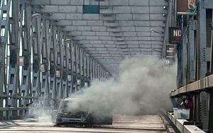 Driver escapes as vehicles goes up in flames on Niger Bridge