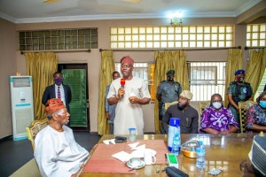 Oyo Governor Makinde pledges N100 million to renovate palace of the Soun of Ogbomoso