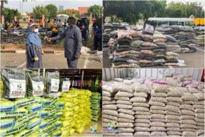 Lagos youths uncover warehouse where govt COVID-19 palliatives meant to be distributed are hidden