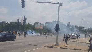 , EndSARS: Police disperse Abuja protesters with tear gas, Effiezy - Top Nigerian News & Entertainment Website