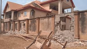 Ex-NNPC depot manager vandalises estranged wife's residence over divorce (Photo)