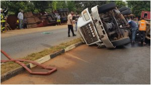 Panic as diesel laden tanker crashes in Anambra, spills content