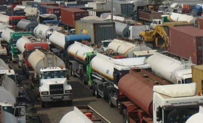 , Lagos bans trucks, trailers from plying roads in the state day time, Effiezy - Top Nigerian News & Entertainment Website