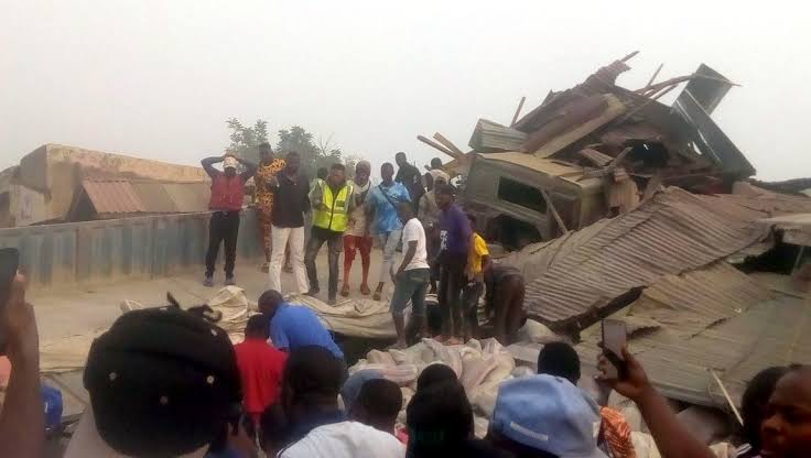 , Woman dies after death of her 3 children in Ondo Dangote truck crash, Effiezy - Top Nigerian News & Entertainment Website