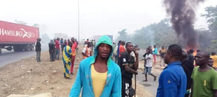 Tanker driver shot dead by soldier at army checkpoint in Port Harcourt (Photos), Tanker driver shot dead by soldier at army checkpoint in Port Harcourt (Photos), Effiezy - Top Nigerian News & Entertainment Website