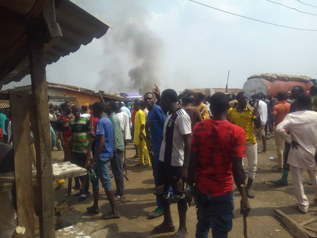 , Hausa/Yoruba Clash: Oyo govt closes shasha market, imposes curfew, Effiezy - Top Nigerian News & Entertainment Website