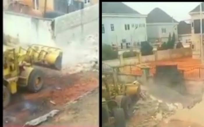 , Imo state government taskforce demolish fence of Reach FM allegedly owned by former Governor Rochas Okorocha's daughter, Effiezy - Top Nigerian News & Entertainment Website