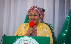 , Sanwo-Olu greets Aisha Buhari at 50, Effiezy - Top Nigerian News & Entertainment Website