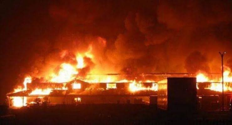 Fire destroy Gwarimpa tipper market in Abuja leaving six people dead