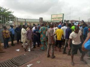 Three injured as Muslims, Christians clash over use of hijab in Kwara schools (See Video)