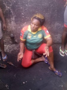 Cameroonian Woman mobbed for stealing, receives items, cash to start a business