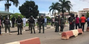 Eight killed as hoodlums attack police headquarters in Imo
