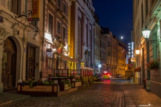 The Old Town of Riga at night