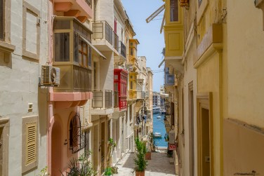 What to see in Malta: Narrow streets in Senglea