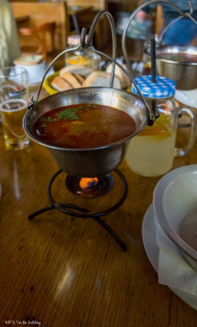 Wandering in Budapest: eating a traditional goulash in Budapest