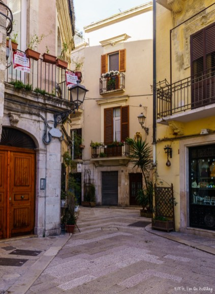 How to spend a weekend in Puglia: wander in Bari