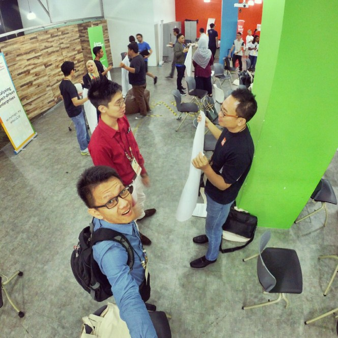 startup-weekend-at-magic-cyberjaya-malaysia-powered-by-google-for-entrepreneurs-social-enterprise-edition-raymond-ong-and-effye-ang-effye-media-online-advertising-a11