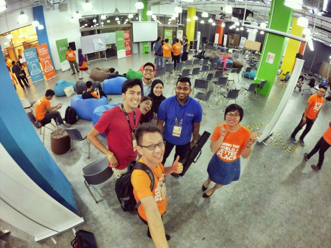 startup-weekend-at-magic-cyberjaya-malaysia-powered-by-google-for-entrepreneurs-social-enterprise-edition-raymond-ong-and-effye-ang-effye-media-online-advertising-a94