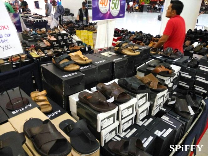 Fashion Shoes Sales Affordable Shoes Red Modani Store at Subang Parade Subang Jaya Selangor Malaysia Spiffy Fasshion Shoes Season Clearance Stock Spiffy Fair A09