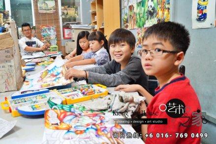 马来西亚 柔佛 峇株吧辖 美术课程 艺术画室 儿童绘画 彩图 水彩画 木笔画 蜡笔画 素描 油画 广告画 壁画 板画 布画 漫画 Kiong Art 艺术之家美术画室 A01-05